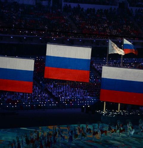 Нейтральный флаг или бойкот? Звезды спорят о судьбе спортсменов на Олимпиаде