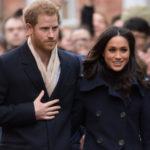 28566 В Сети обсуждают эскизы свадебного платья невесты принца Гарри