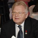 Юрий Антонов не может смириться со смертью матери