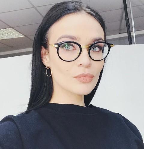 Алена Водонаева не пожалела денег на шикарный подарок для родителей