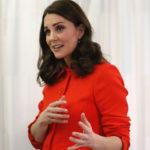 Беременная Кейт Миддлтон планирует отказаться от услуг роддома