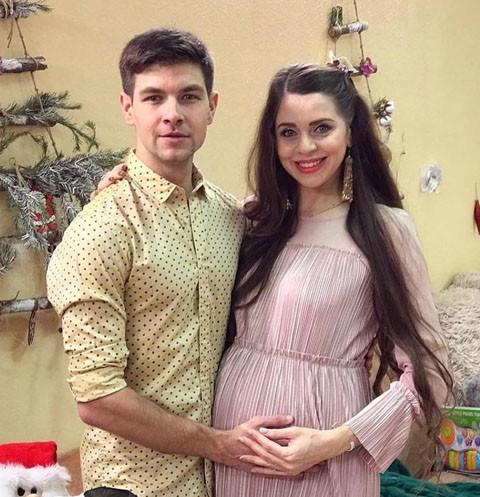 Мать Дмитрия Дмитренко изводит беременную Рапунцель