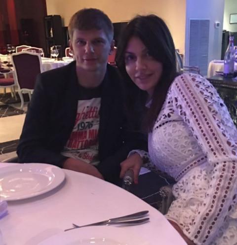 Жена Андрея Аршавина готовит судебный иск после инцидента в самолете