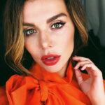 Анну Седокову унизила критика ее творчества