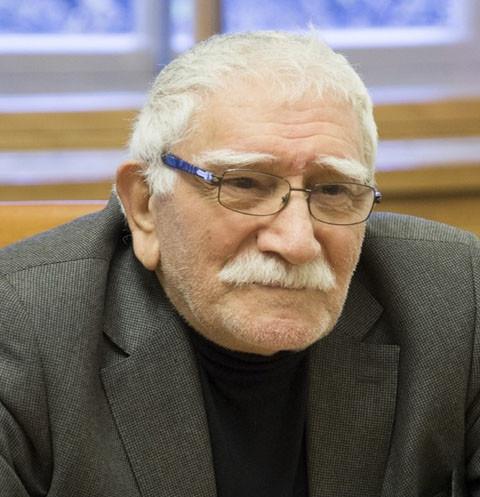 Армен Джигарханян продолжит лечение в домашних условиях