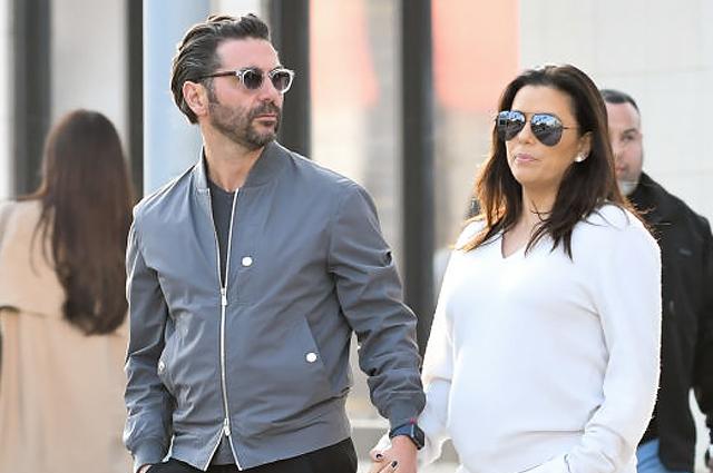 Беременная Ева Лонгория пообедала с мужем Хосе Антонио Бастоном в Лос-Анджелесе