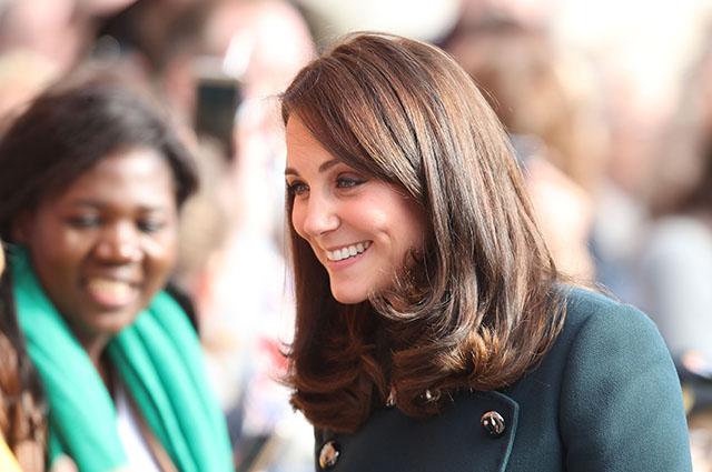 Кейт Миддлтон и принц Уильям посетили Сандерленд: подробности визита и детали образа герцогини