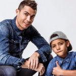 Криштиану Роналду снялся в рекламной кампании вместе со своим старшим сыном