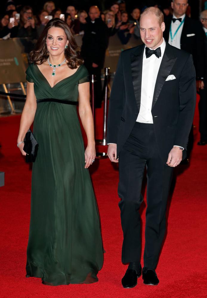 Миддлтон и Джоли произвели фурор шикарными нарядами