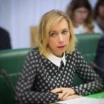 Отец Марии Захаровой поведал о «блате» дочери
