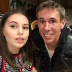 32498 Саша Артемова вступилась за Алексея Панина