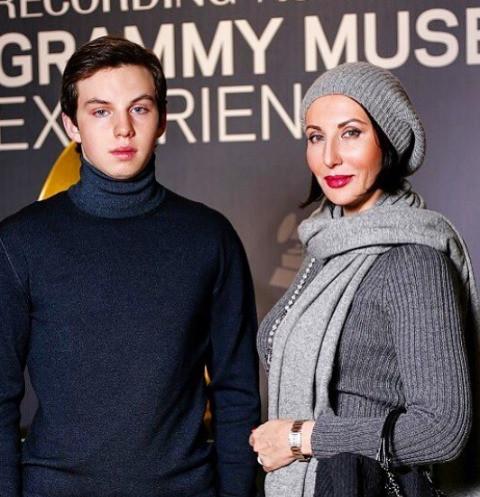 Сын Алики Смеховой готовится покорить русскую рэп-сцену