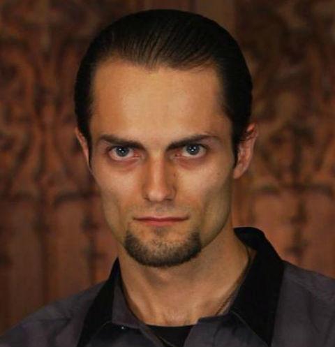 Участник «Битвы экстрасенсов» Намтар Энзигаль раскритиковал шоу «Звезды под гипнозом»