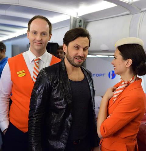 Из-за Александра Реввы на борту самолета началась драка
