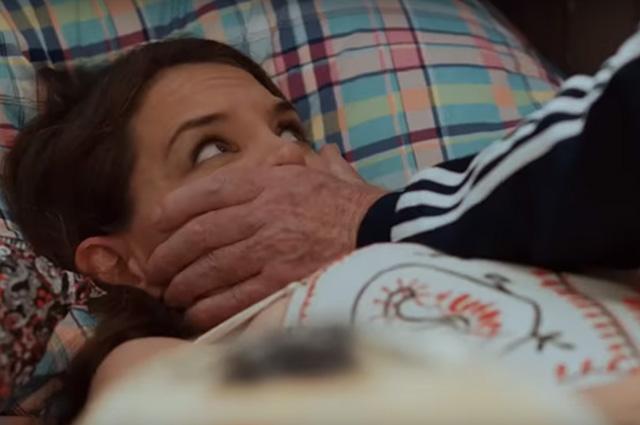 Кэти Холмс позволила облизать пальцы своих ног актеру Сету Грину в фильме «Дорогой диктатор»