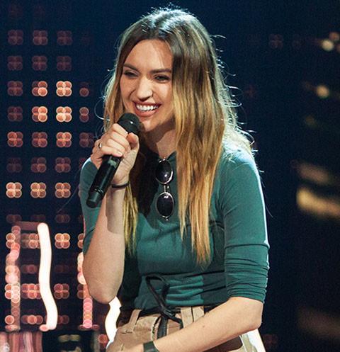 USTINOVA: «После съемок в шоу «ПЕСНИ» я проплакала два часа»