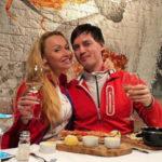 33359 Вдовец сестры Григорьева-Аполлонова нашел утешение в объятиях блондинки