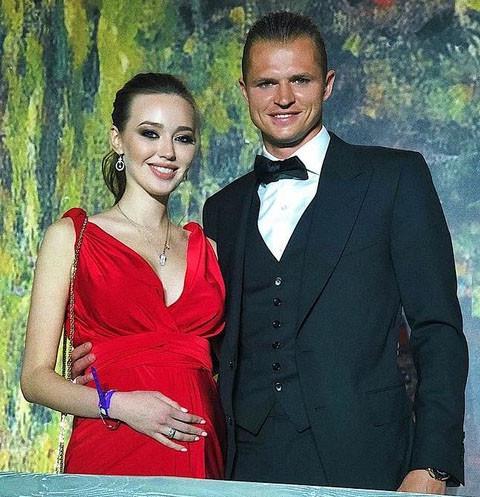 Дмитрий Тарасов напугал друга ссорой с беременной Анастасией Костенко