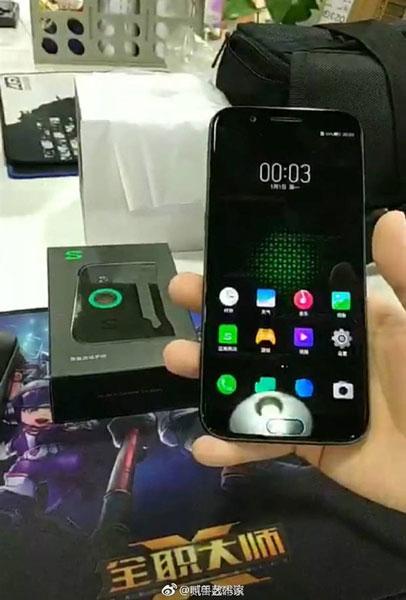 Игровой смартфон Xiaomi Black Shark появился на фото и видео