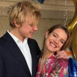 Наталья Водянова отдыхает в Барселоне с детьми и девушкой старшего сына