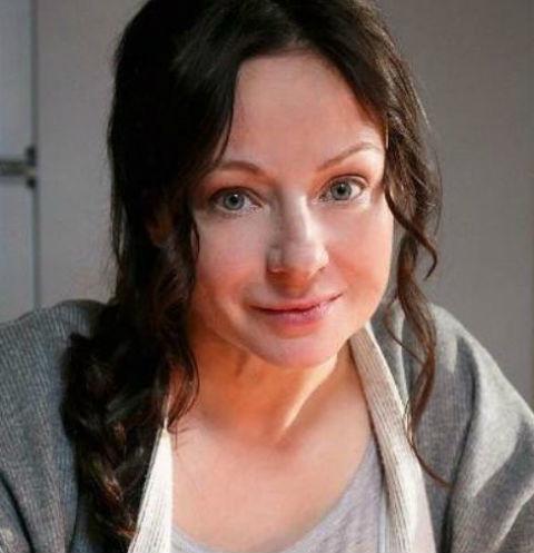Орущая и шатающаяся Евгения Добровольская напугала своих детей