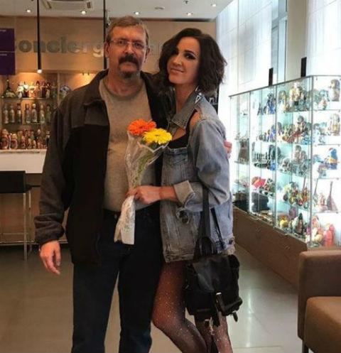 Отец Ольги Бузовой показал фото обнаженной дочери