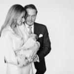 Принцесса Швеции Мадлен и Крис О'Нил опубликовали в сети три официальных портрета дочери Эдриенн