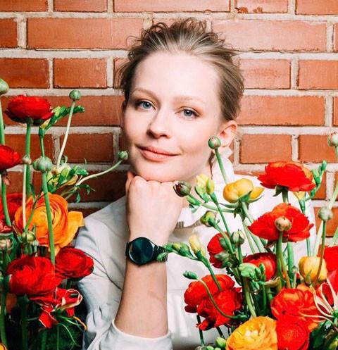 Юлия Пересильд корит себя за подлость по отношению к дочерям