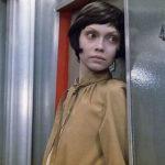 Звезда фильма «Гостья из будущего» показала, в каких страшных условиях живет
