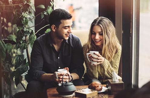 Без смайликов и фотошопа: как найти любовь на сайте знакомств