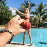 Елена Летучая отдыхает с мужем на Маврикии: селфи на глубине, фото в бикини и не только