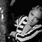 Jennifer Lopez ft. DJ Khaled, Cardi B — Dinero, новый клип