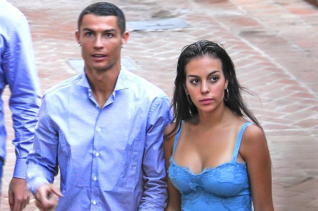 Криштиану Роналду и Джорджина Родригес провели романтический вечер в Малаге