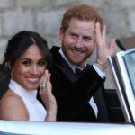 38400 Меган Маркл и принц Гарри отправились на свадебную вечеринку: рассматриваем второй образ герцогини