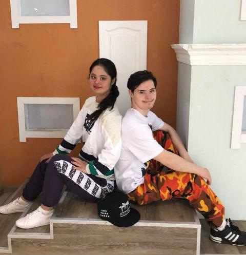 «Особенная» дочь Хакамады и ее бойфренд приняли участие в модном показе