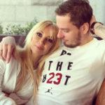 Пользователи Сети подозревают, что Лера Кудрявцева носит накладной живот