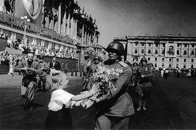 SPLETNIK.RU поздравляет с Днем Победы!