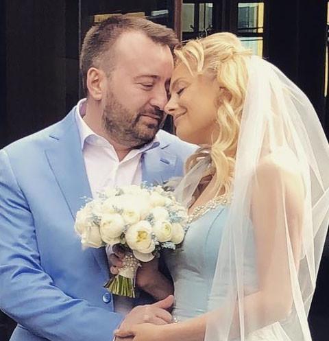 Звезда «Голоса» Елена Максимова наслаждается медовым месяцем на Багамах