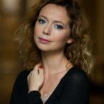 39894 42-летняя Елена Захарова показала идеальную фигуру в бикини