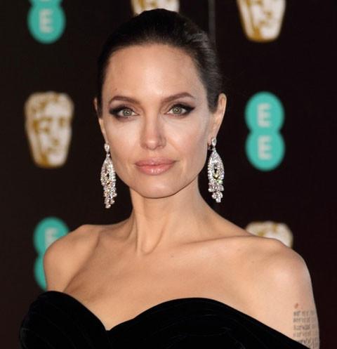 39961 Анджелину Джоли могут лишить родительских прав