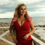 Анну Семенович выгнали с пляжной вечеринки