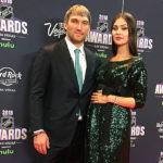 40469 Беременная Анастасия Шубская разделила с Александром Овечкиным его триумф на церемонии NHL Awards 2018