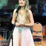 39724 Дочь Александра Малинина представила футбольный гимн