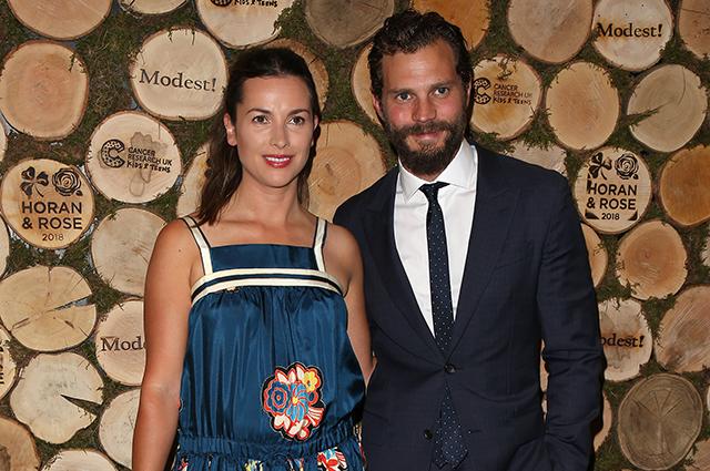 Джейми Дорнан с женой Амелией Уорнер посетили благотворительный вечер