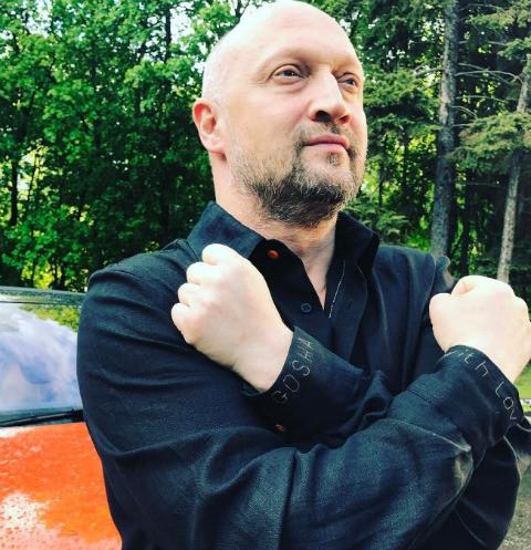 40169 Гоша Куценко планирует стать дедушкой