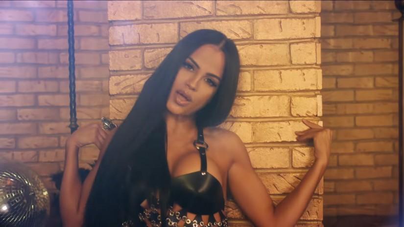 Thalia and Natti Natasha — No Me Acuerdo, новый клип