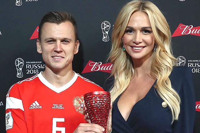 Вторая победа сборной России по футболу и выход в плей-офф чемпионата мира: подробности и реакция российских звезд