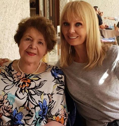 80-летняя мама Валерии экстремально похудела