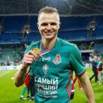 Дмитрий Тарасов остался без работы накануне родов Костенко