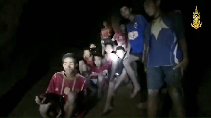 Драматическая операция спасения детей из затопленной пещеры в Таиланде. Первые фото спасенных из больницы!